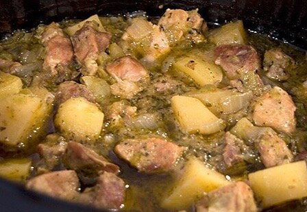 Pork in green salsa with potatoes Meal for 4